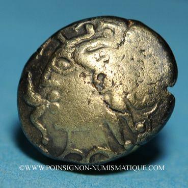 Münzen Eduens. Bourgogne. Statère au triskèle en électrum, vers 80-50 av. J-C