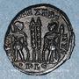 Münzen Constantin II, césar (317-337). Centenionalis. Lyon, 1ère officine. 330-331. R/: deux soldats